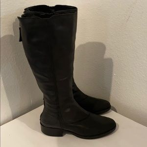 Saks Fifth Avenue tall black leather boots Sz 7.5